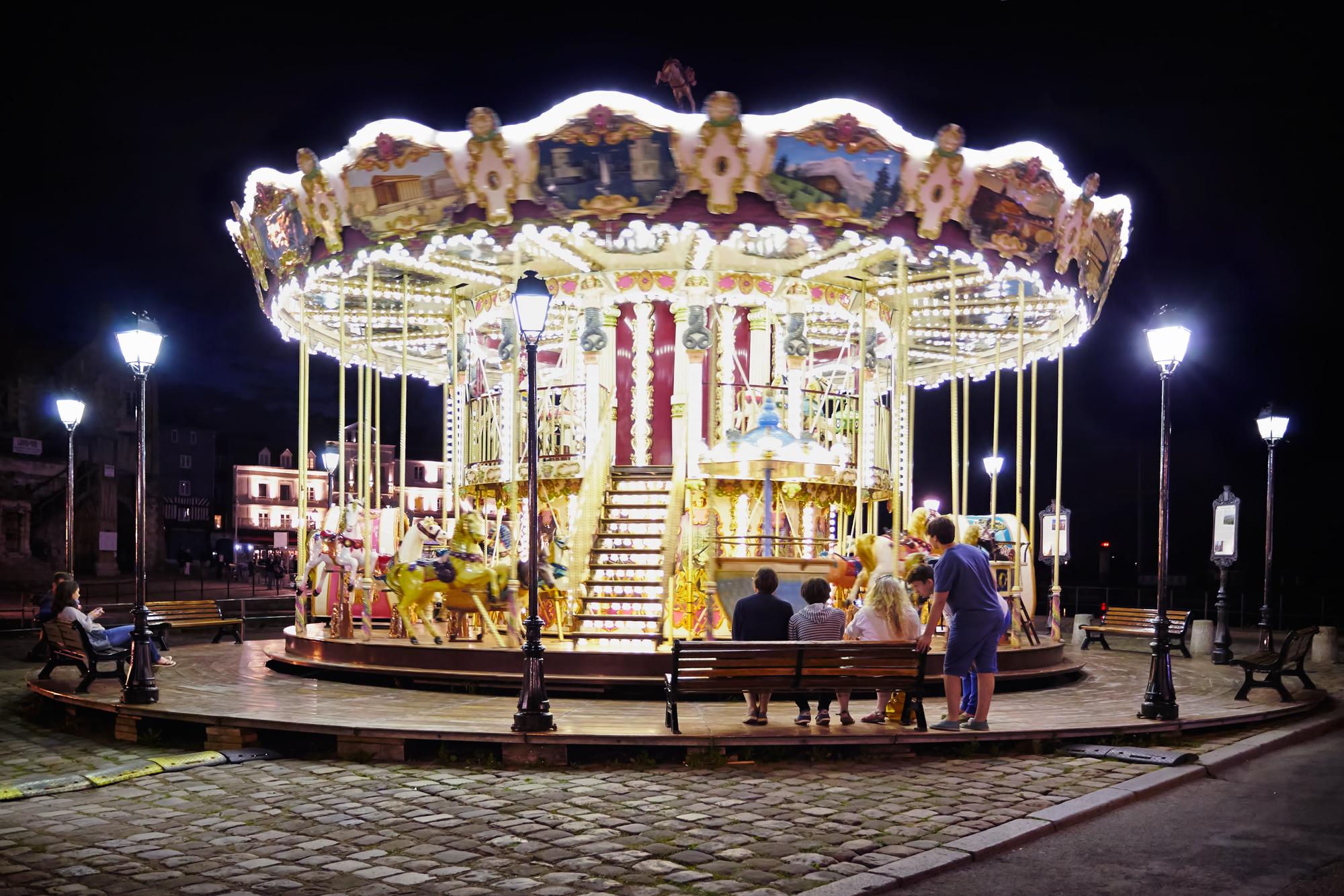 port_honfluer_merry_go_round